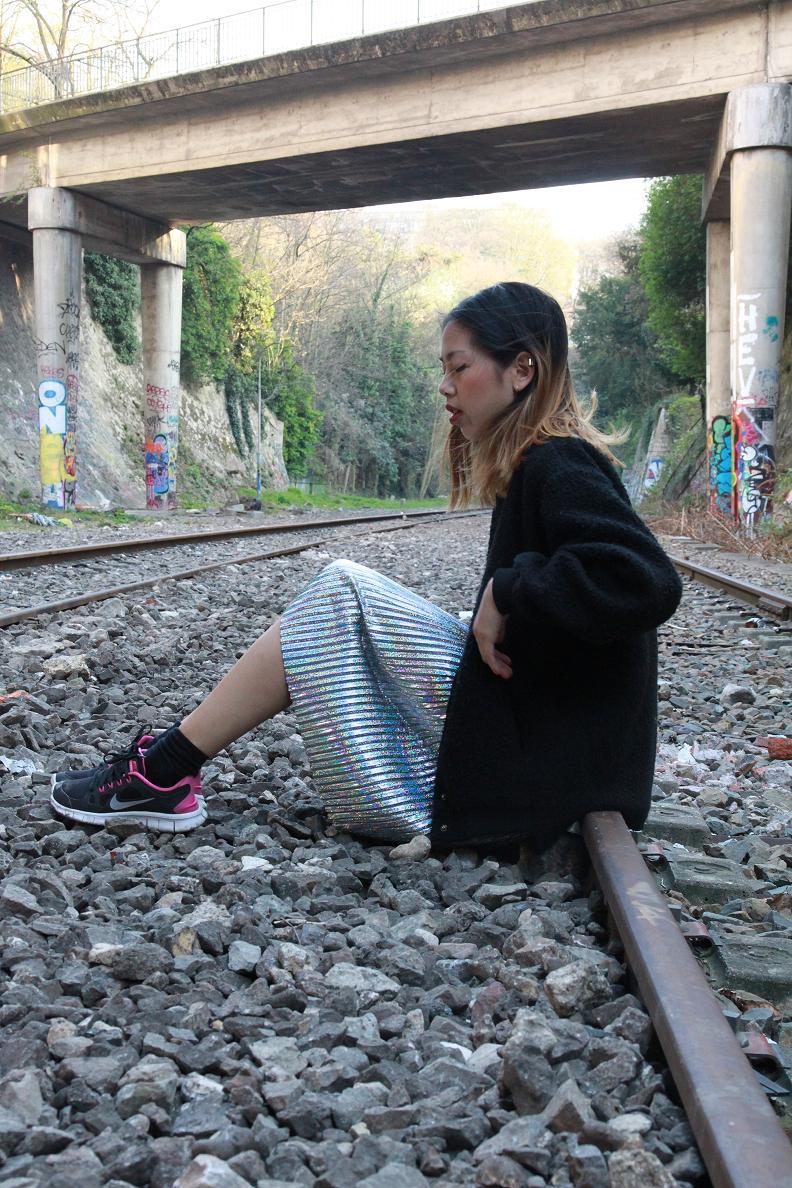 Monki Glitter skirt 5