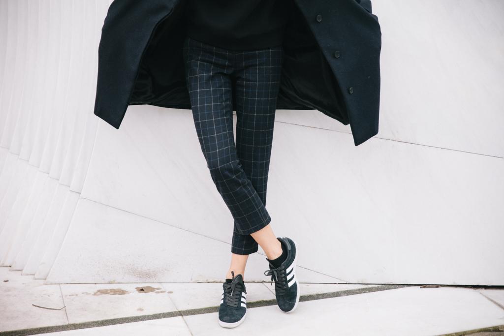 Pantalon Theory bleu item croppednavy