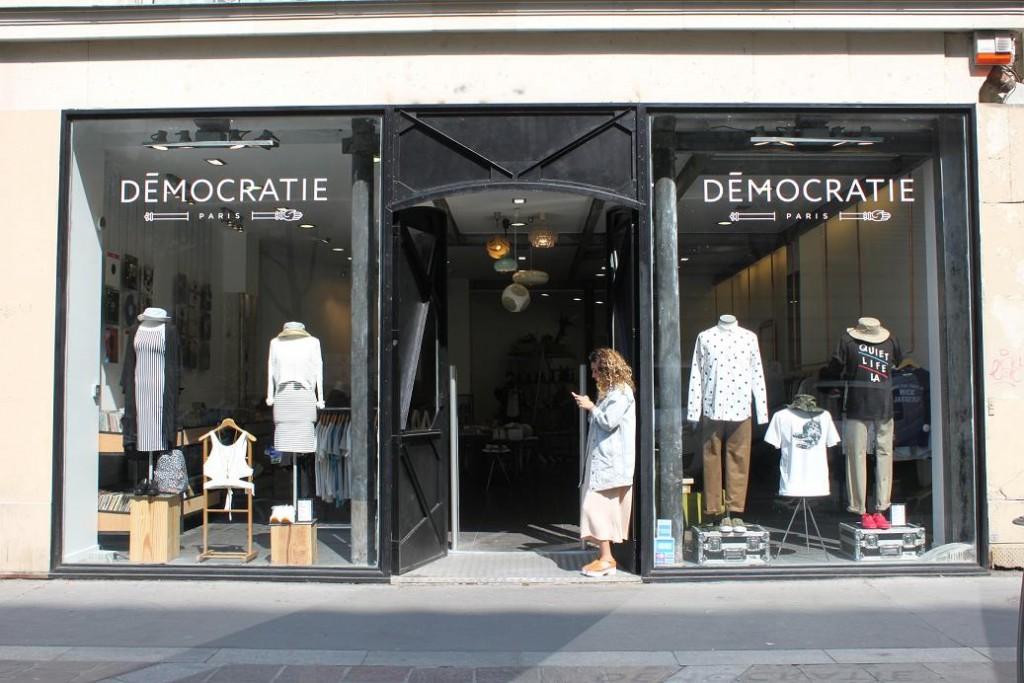 Démocratie Paris Concept Store Vitrine
