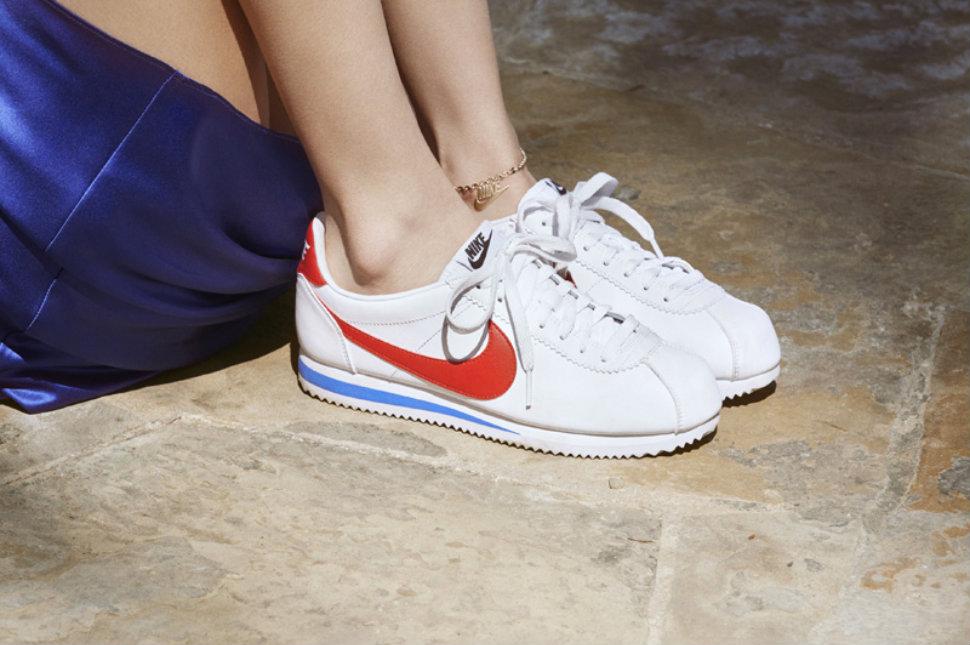 Nike-Cortez-anniversaire-Bella-Hadid-CM-5